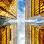 Bild von Wolkenkratzern vor der Cloud